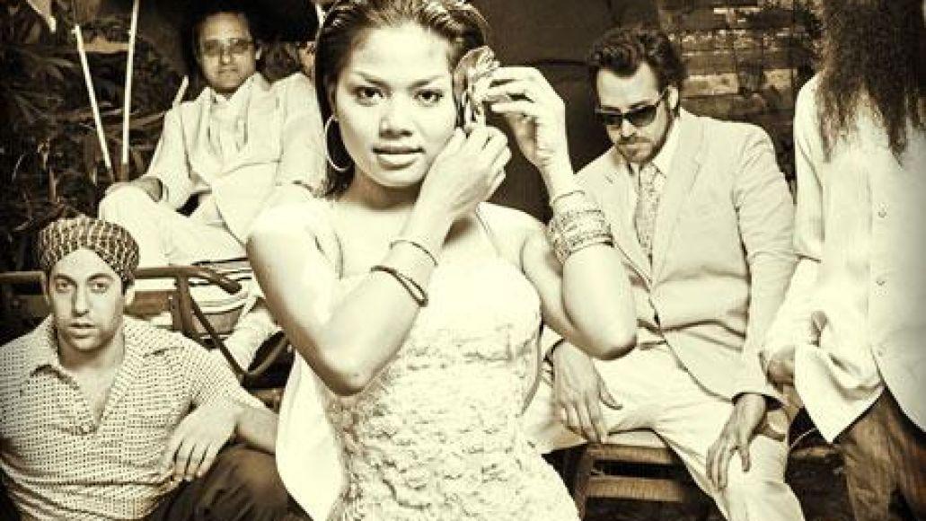 l 59fb1b6e9ebb24d417a2089aae5fef6e Dengue Fever brings surf groove to NYCs Joes Pub (7/16)