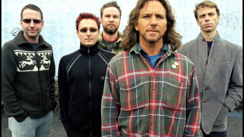 pearl jam Video: Temple of the Dog reunion and other Pearl Jam 20 highlights