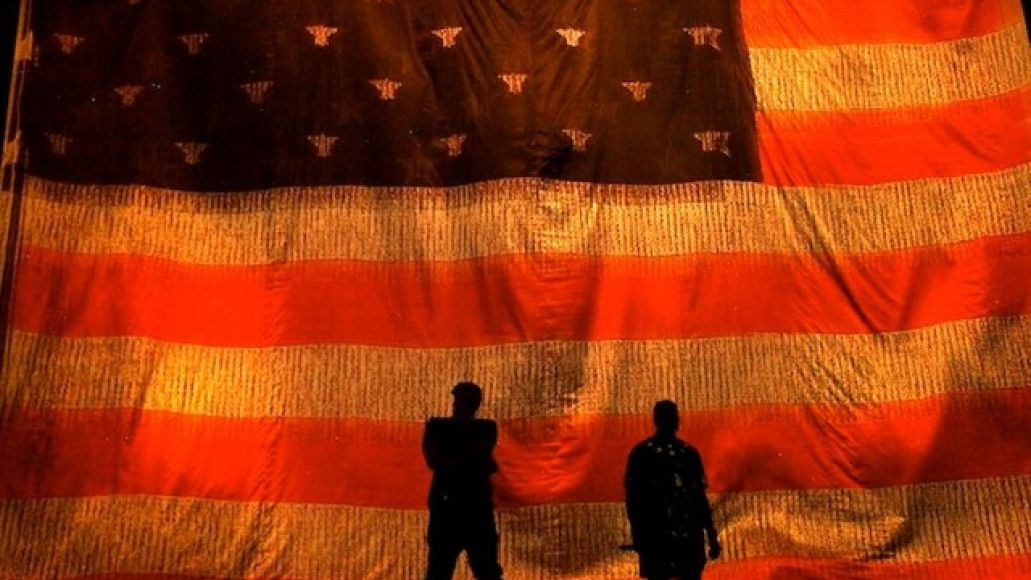 the throne feat Live Review: Jay Z and Kanye West reign over Chicagos United Center (11/30)