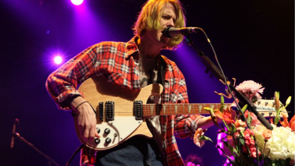 girls2012 Live Review: Real Estate, Girls at New York Citys Terminal 5 (1/14)