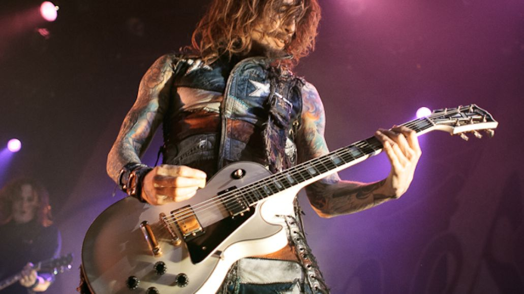 the darkness 8 Live Review: The Darkness, Foxy Shazam at Chicagos Metro (2/11)
