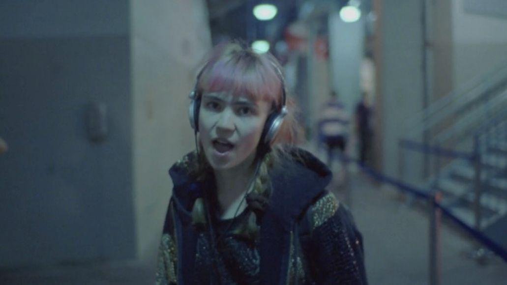 58e376eb Video: Grimes   Oblivion