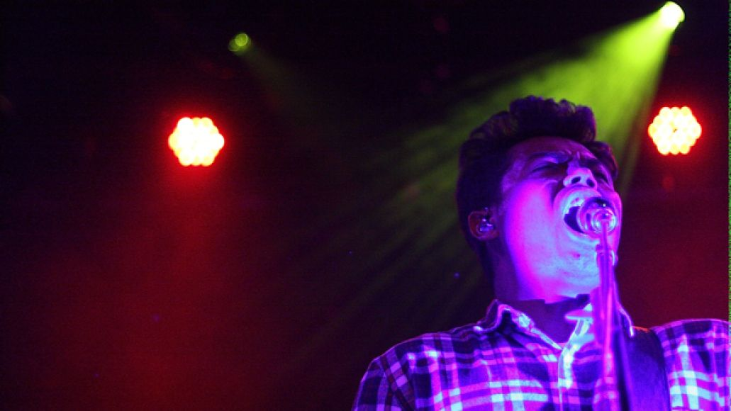 thetempertraplivereviewcos2 Live Review: The Temper Trap, Penguin Prison at NYCs Bowery Ballroom (3/28)