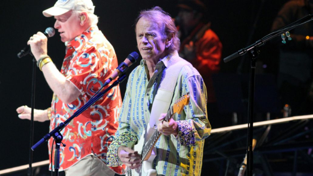cos beach boys 10 Live Review: The Beach Boys at The Chicago Theatre (5/21,22)