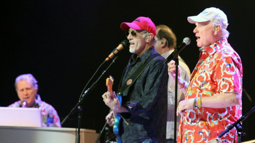 cos beach boys 9 Live Review: The Beach Boys at The Chicago Theatre (5/21,22)