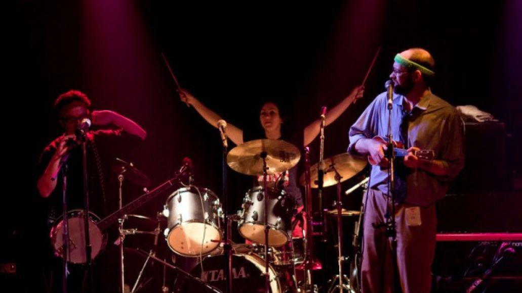 elvisbride 2 e1337283194264 Live Review: ElvisBride at Chicagos Double Door (5/15)