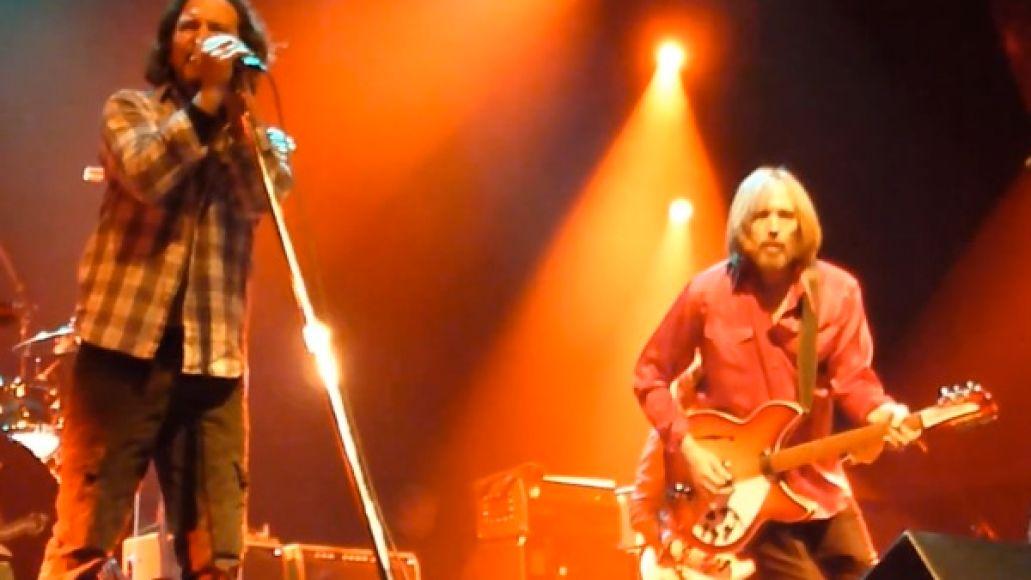 eddie vedder tom petty1 Video: Eddie Vedder and Tom Petty team up in Amsterdam