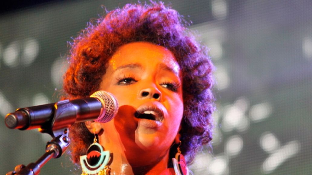 laurynhill jakecohen Lauryn Hill sentenced to three months in prison for failing to pay taxes