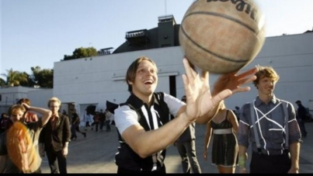Watch Arcade Fire, The Strokes play basketball