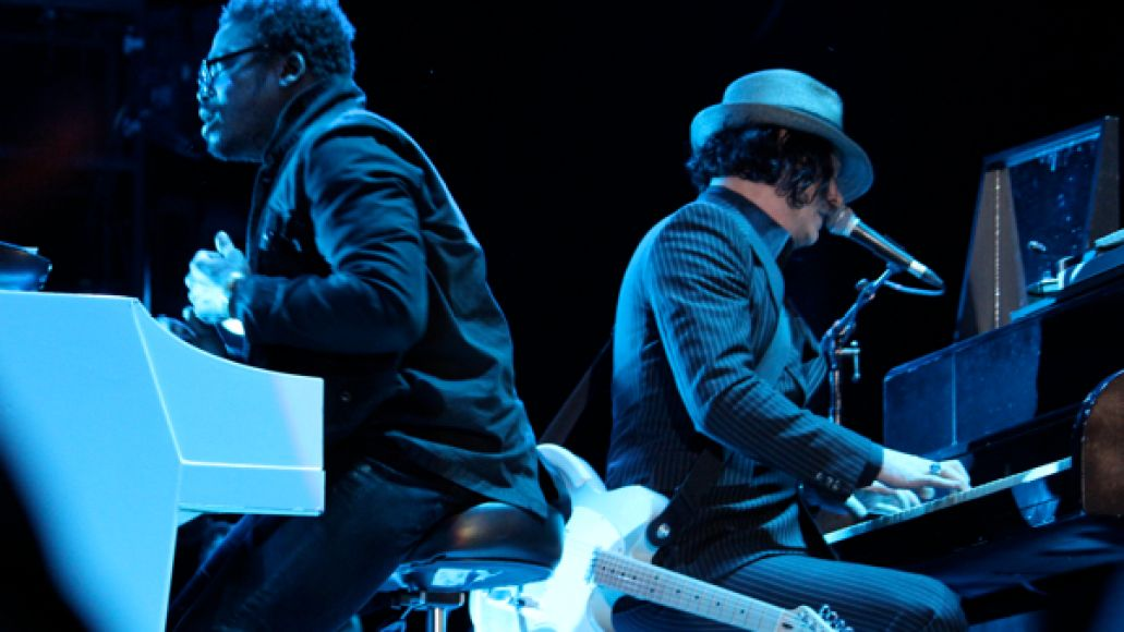 jack white 7 Festival Review: Voodoo Experience 2012
