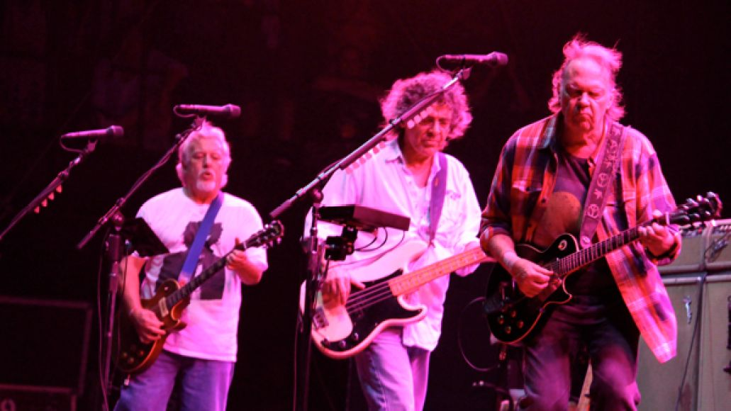 neil young 2 Festival Review: Voodoo Experience 2012