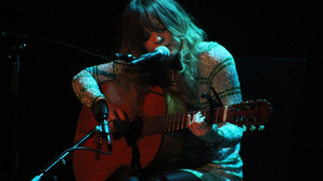 jessicapratt1chin Live Review: Julia Holter at New York Citys (Le) Poisson Rouge (7/12)
