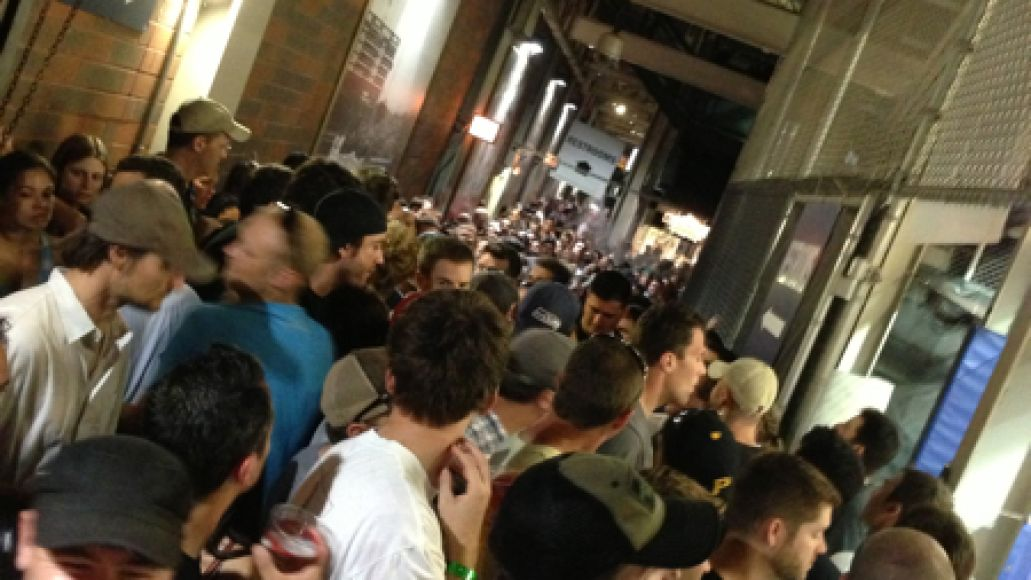 packedwrigley Live Review: Pearl Jam at Chicagos Wrigley Field (7/19)