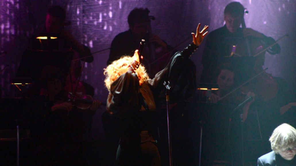 goldfrapp5 Goldfrapp performs Tales Of Us with 20 piece orchestra at New York Citys Beacon Theatre (9/10)