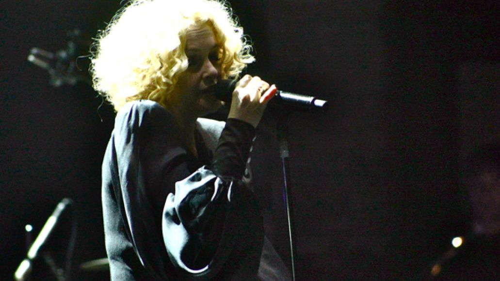 goldfrapp7 Goldfrapp performs Tales Of Us with 20 piece orchestra at New York Citys Beacon Theatre (9/10)