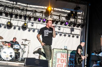 0884.newfoundglory.110213.dh