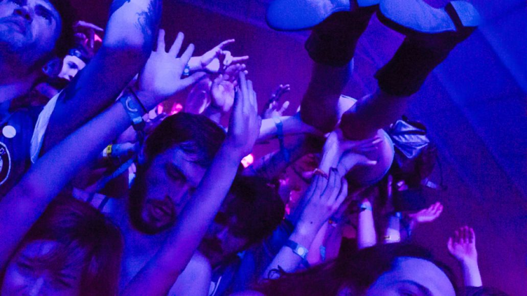 CrowdSurfing-BenKaye-Bonnaroo2014-35