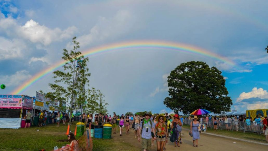 doublerainbow amandakoellner bonnaroo2014 Live Nation Takes Bonnaroo: The Ongoing Corporatization of Music Festivals