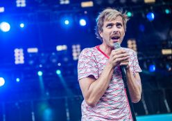 dh-voodooexperience-AWOLNATION-110214-0256