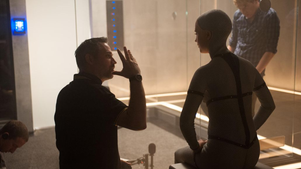 alex-garland,-domhnall-gleeson-and-alicia-vikander-in-ex-machina-(2015)-large-picture