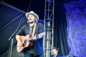 Wilco // Photo by Carlo Cavaluzzi