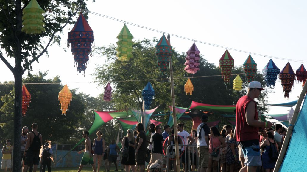 bazaar1 Mamby on the Beach Festival Review: Top 10 Sets + Photos