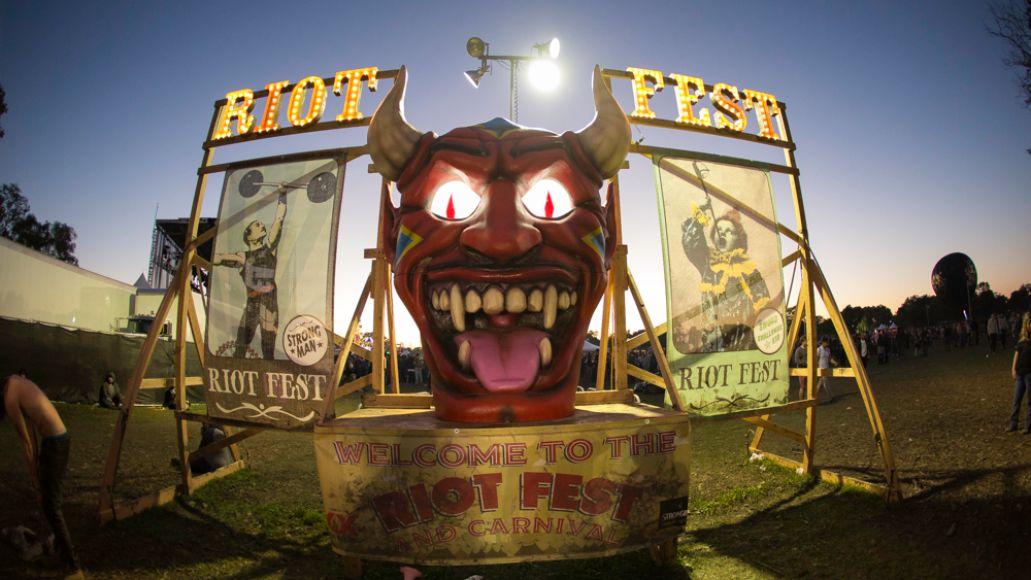 AroundFestival-ThaibWahab-RiotFest2015-1