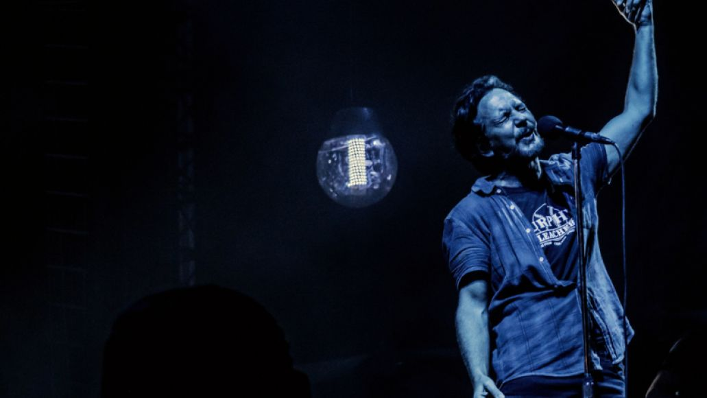 29054018721 d1d1b6c0bd b Pearl Jam Returns to Wrigley Field: The 10 Best Moments