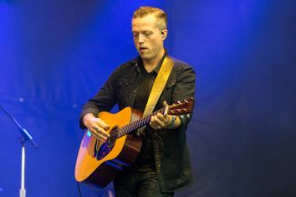 Jason Isbell // Photo by Philip Cosores