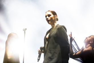 Banks // Photo by Philip Cosores