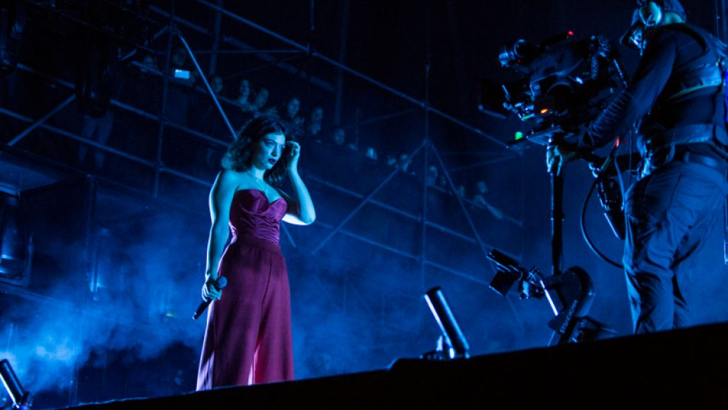 lorde 1 Lollapalooza Review: The Lorde Giveth and The Lord Taketh Away
