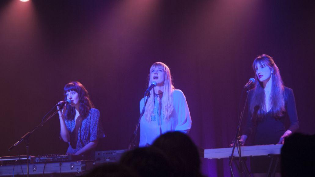 rr 18033 r 1 Stream: Twin Peaks OST with Track by Track Breakdown by Sharon Van Etten, Johnny Jewel, Rebekah Del Rio