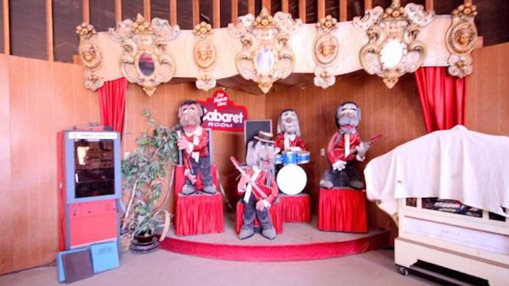 craigs3 Chuck E. Cheeses animatronic house band goes up for sale on Craigslist