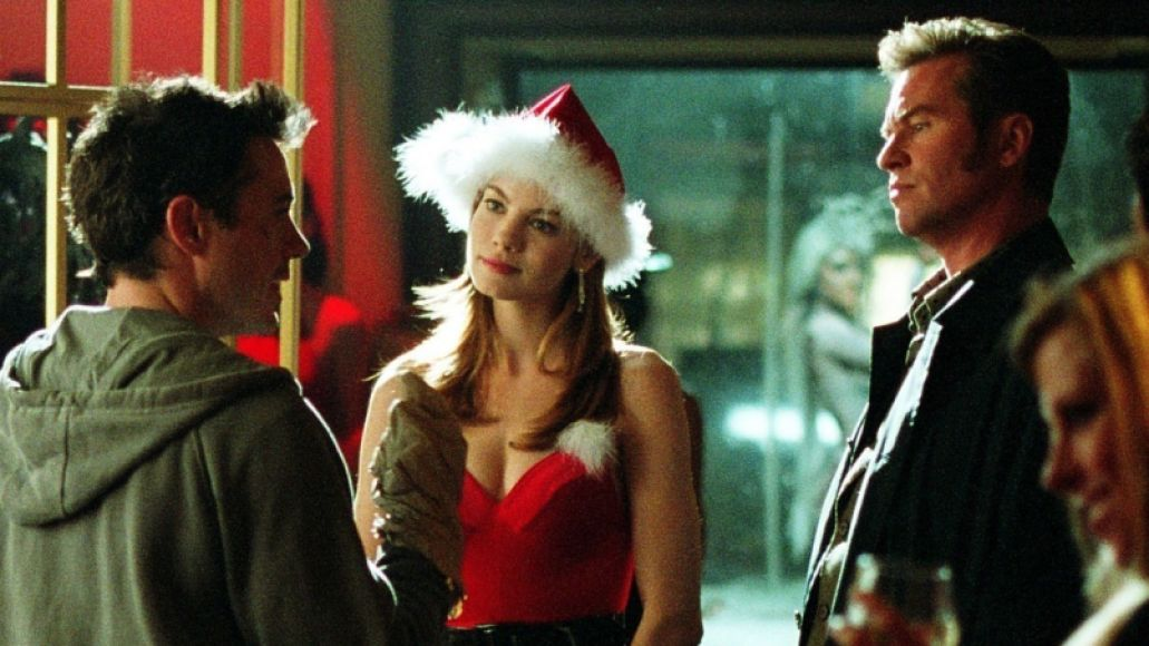 kiss kiss bang bang kilmer monaghan downey The 25 Greatest Christmas Movies of All Time