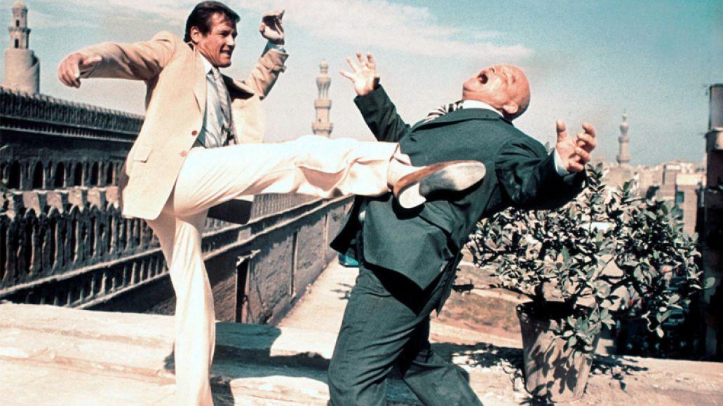 mv5bztvjztm3ywitmte3os00ytlllwfkytitymy2ztezmjhhnzcyxkeyxkfqcgdeqxvynjuwnzk3ndc  v1  Top 10 Movies of 1977