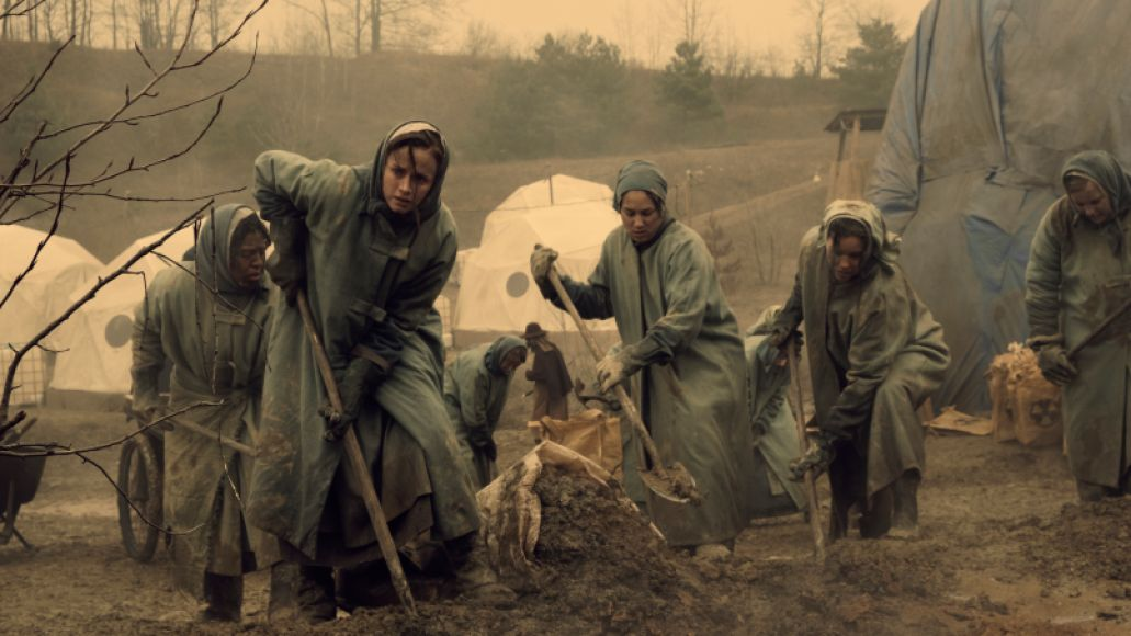 tht 202 gk 1282rt The Handmaid's Tale Finds New, Toxic Ground to Hoe for Season Two