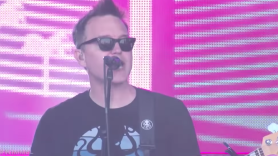 """Blink-182 perform """"I Miss You"""" and """"Kings of the Weekend"""" on Jimmy Kimmel Live!"""