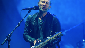 Thom Yorke Radiohead The Axe Live Debut Keyboard