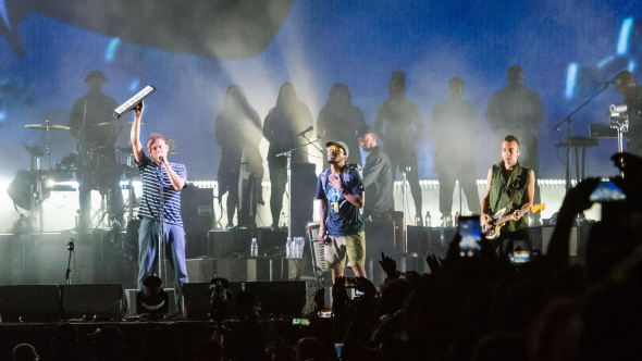Gorillaz with Del the Funky Homosapien, photo by Ben Kaye Meadows Injury stage fall