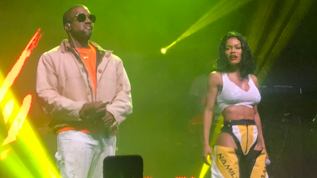 """Video Kanye West and Teyana Taylor performing in San Francisco """"Hurry"""""""