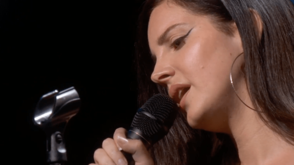 """Watch Lana Del Rey debut """"How To Disappear"""" at Apple Event Brooklyn"""