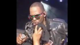 R Kelly at Tampa concert
