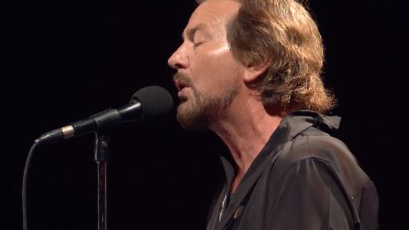 Watch Eddie Vedder pay tribute to Chris Cornell at Global Citizen: Mandela 100