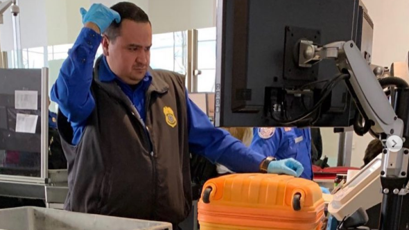 Unpaid TSA agents playing Kanye and Travis Scott amidst shutdown