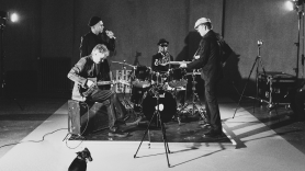 The Good The Bad and The QUeen Truce of twilight music video iphone black and white Paul Simonon
