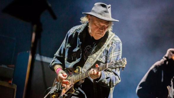 Neil Young, photo by Debi Del Grande BottleRock Napa Festival ROckin in the free world plug pulled