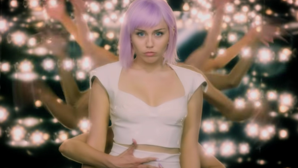 Miley Cyrus in Black Mirror (Netflix) Rachel, Jack and Ashley, Too Nine Inch Nails Hole in the Head