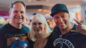Eddie Trunk, Wendy Dio and Tom Morello at the 2018 Bowl for Ronnie