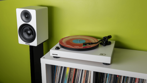 RT81 Elite High-Fidelity Vinyl Turntable and Ai40 5-inch Powered Bookshelf Speakers giveaway win