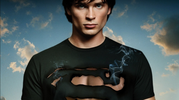 Tom Welling in Smallville CW Arrowverse Superman Clark Kent crossover